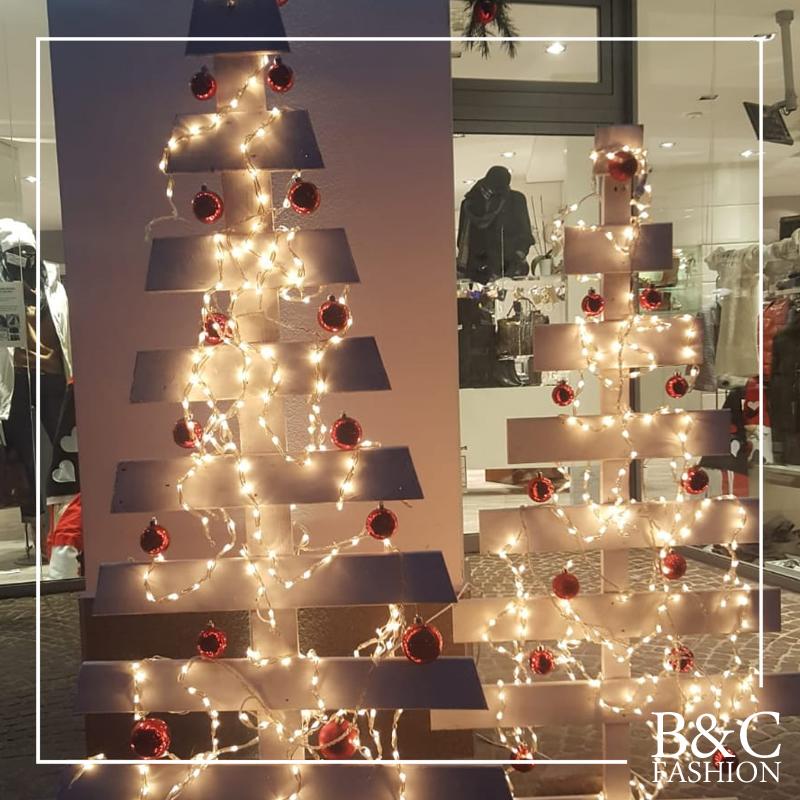 Il Natale è da B&C Fashion! 🎄 Siamo aperti TUTTI i giorni fino alla Vigilia